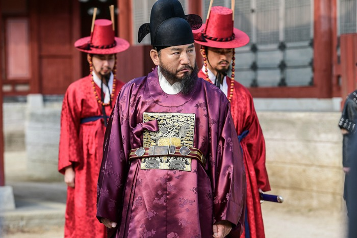 Live recap for episode 16 of the Korean drama Grand Prince starring Yoon Shi-yoon and Jin Se-yeon