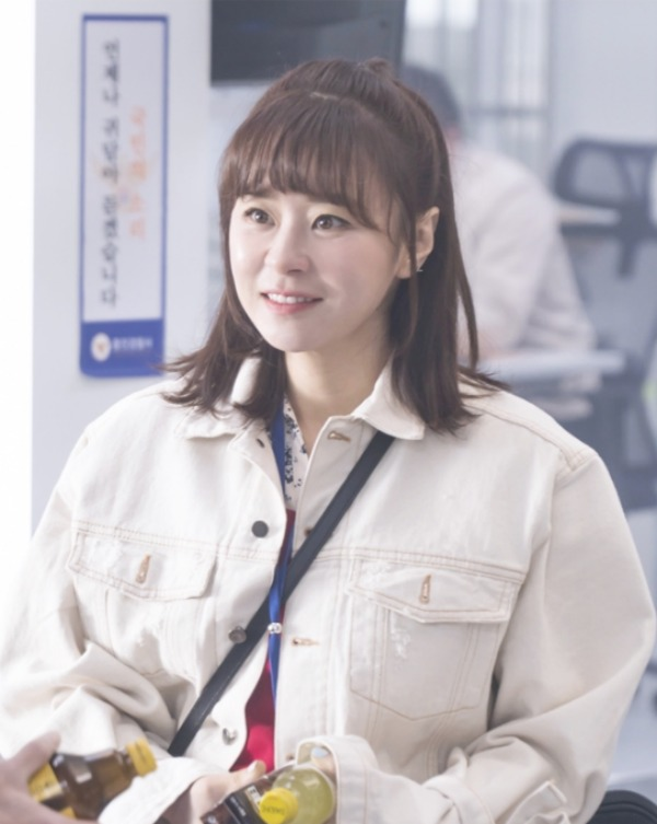 Recap for episode 13 of the Kdrama Queen on Mystery Season 2 starring Choi Kang Hee and Kwang Sang Woo