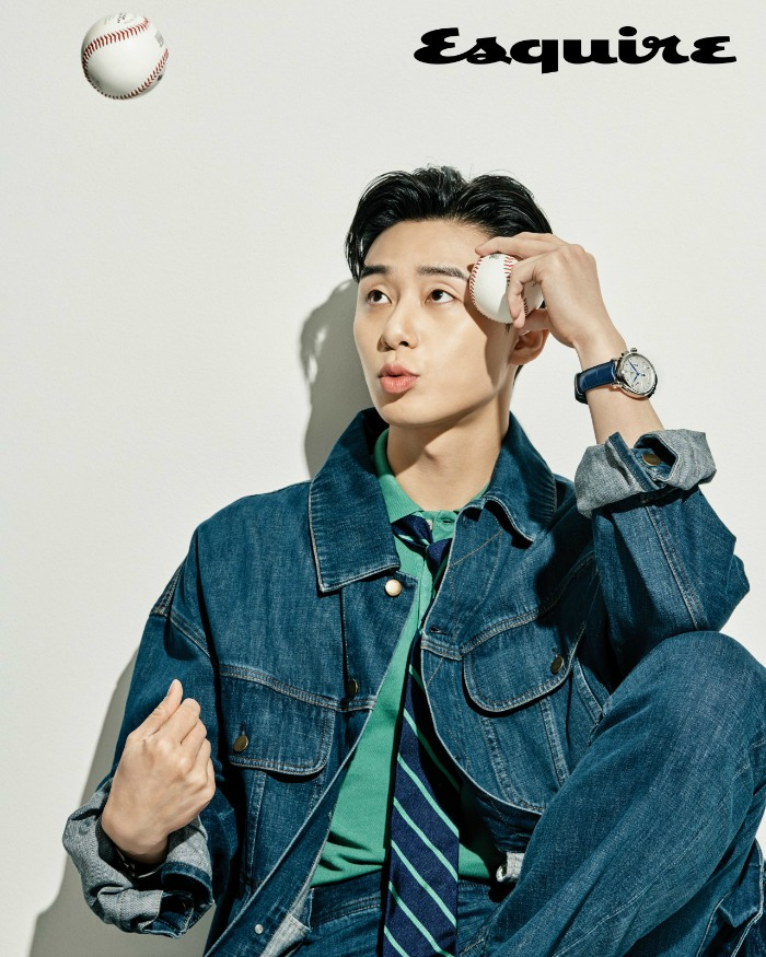 Park Seo-joon in a jean suit with a baseball
