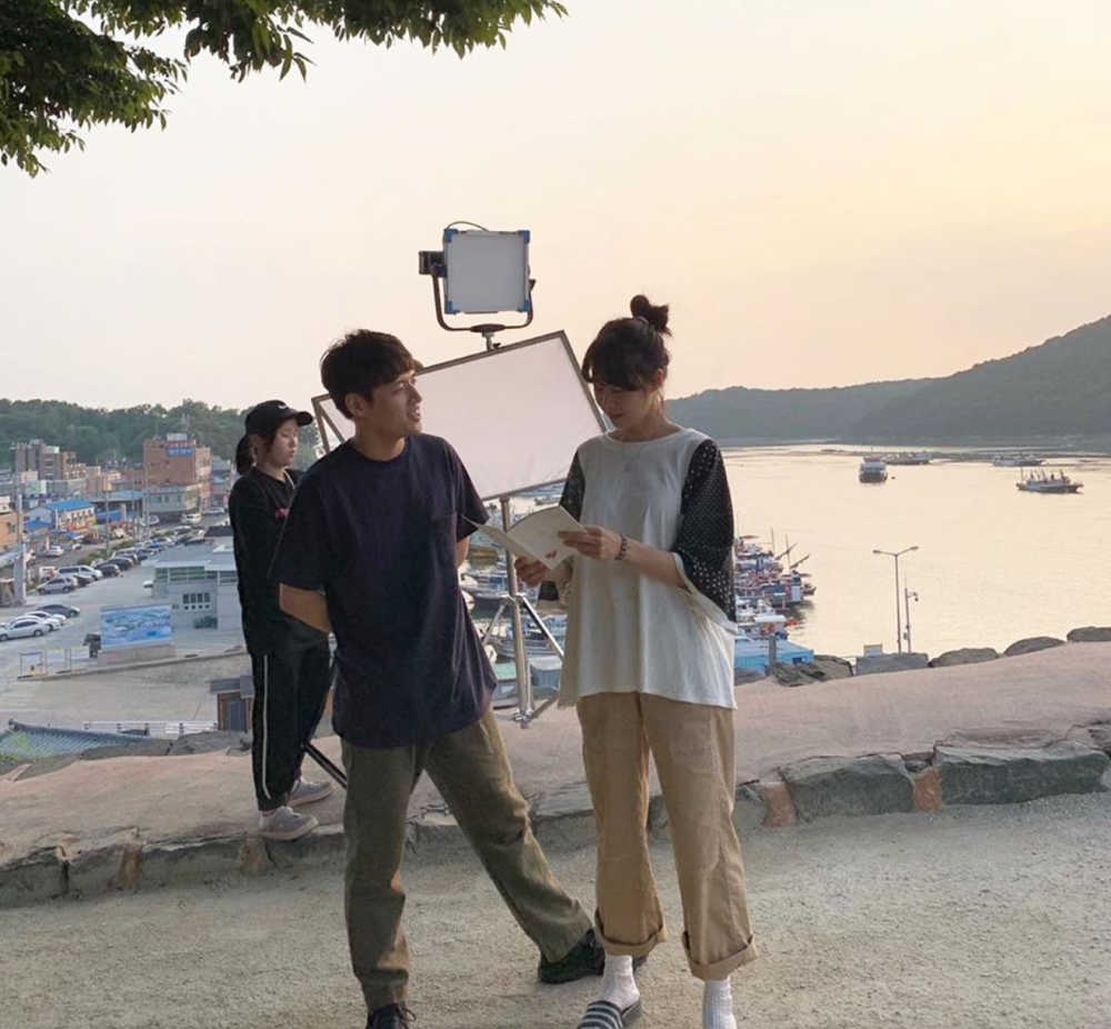 Behind the scenes of Gong Hyo-jin and Kang Haneul in When the Camelia Blooms