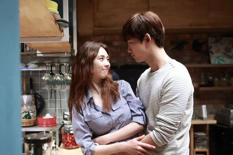 Lee Yeon Hee and Taecyeon in the film Marriage Blue