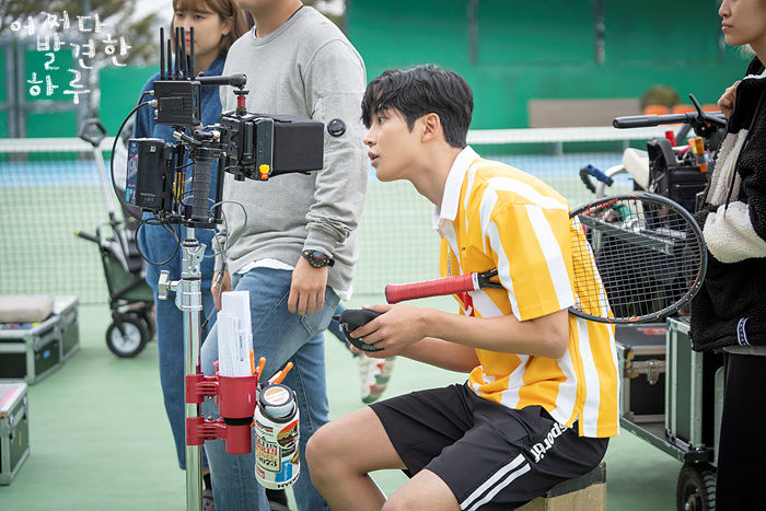 Ro Woon behind the scenes in Extraordinary You