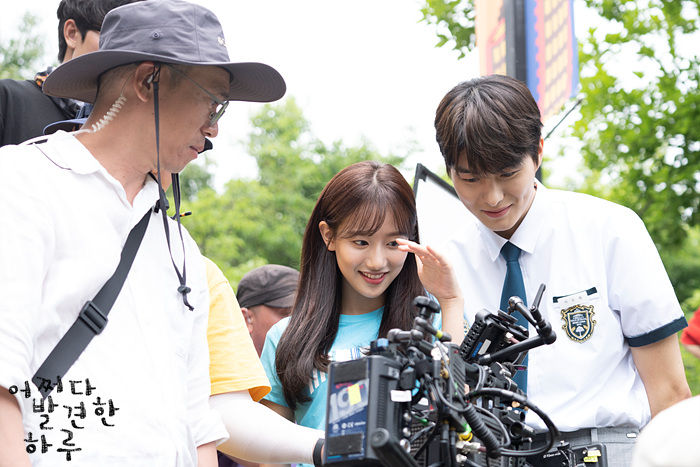 Lee Na-eun and Jung Gun-jook behind the scenes in Extraordinary You