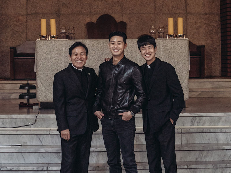 Behind the scenes of The Divine Fury with Ahn Sung Ki, Park Seo Joon, and Choi Woo Sik